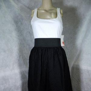 ELLE Black & White Dress. NWT.  M